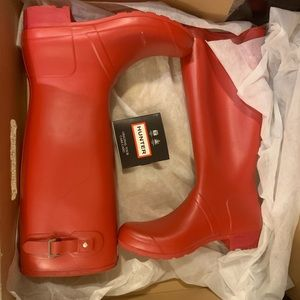 Size 10 Matte Red Hunter boots